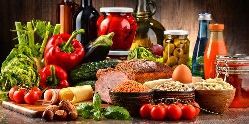 Co jeść a czego nie jeść? Czym grozi złe odżywianie?
